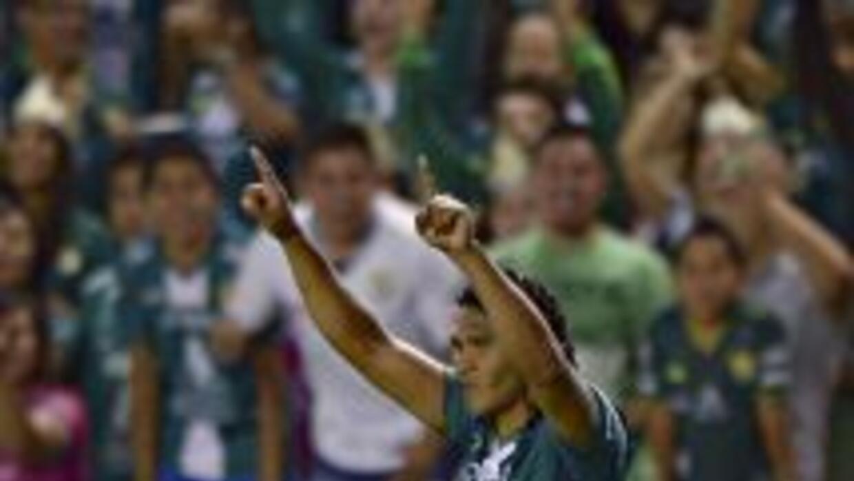 Carlos Peña (8): De los mejores jugadores del partido, y aunque tuvo que...