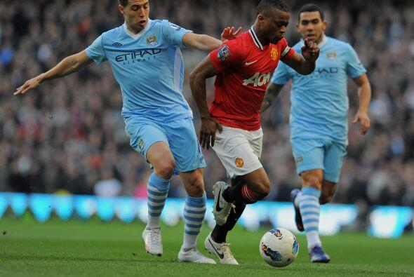Manchester City recibió al puntero Manchester United en un 'derby' que p...