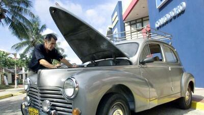 Mucha gente seguirá usando sus autos antiguos en Cuba por mucho tiempo.