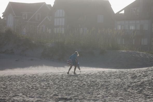 Miles de viajeros y residentes en la costa este del país ya habían prepa...