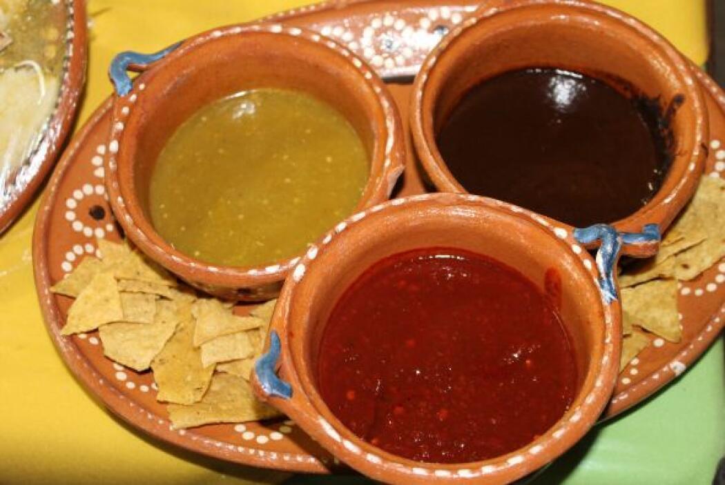 Las salsas no pueden faltar.