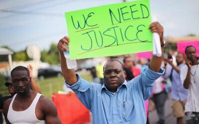 Las autoridades cambian la estrategia para controlar las protestas en Mi...