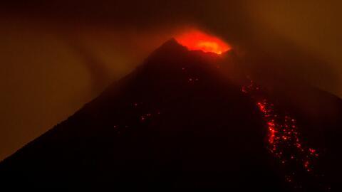 Alerta en el centro de México tras erupción de volcán Colima