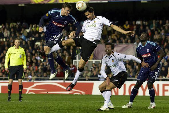 Valencia superó 1 a 0 al Stoke City de Inglaterra y también clasificó.