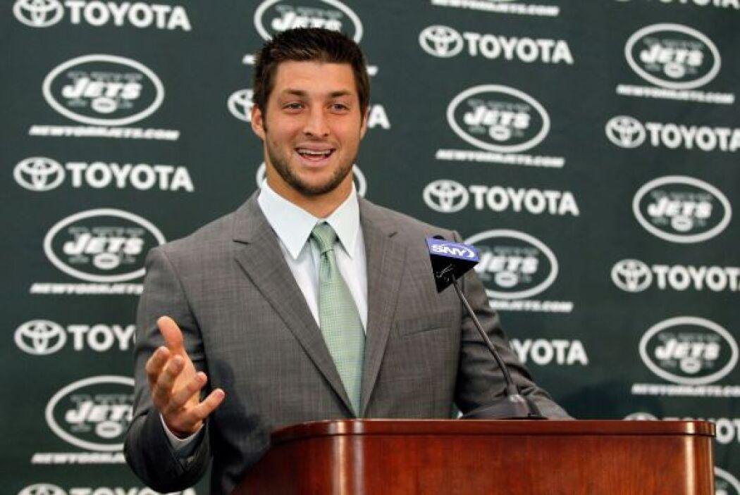 Sobre su relación con Mark Sánchez, quien es el quarterback titular de l...