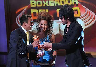 Juan Manuel Márquez se llevó dos trofeos, el primero fue e...