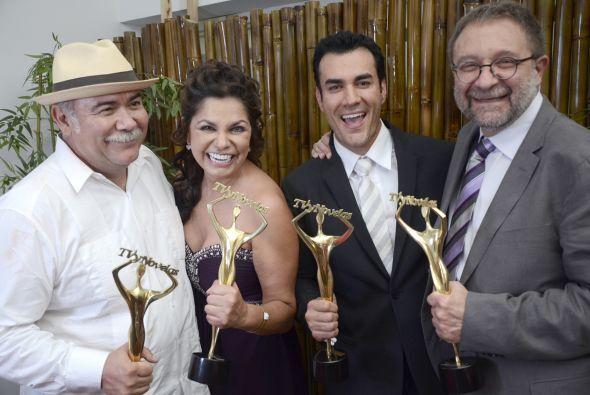 Los ganadores de la noche: Jesús Ochoa, Rosy Ocampo, David Zepeda y Benj...