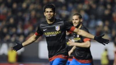 Costa no pra su racha anotadora y marcó los dos tantos para darle la vic...