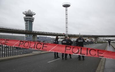 El atacante del aeropuerto de Orly generó una situación de...