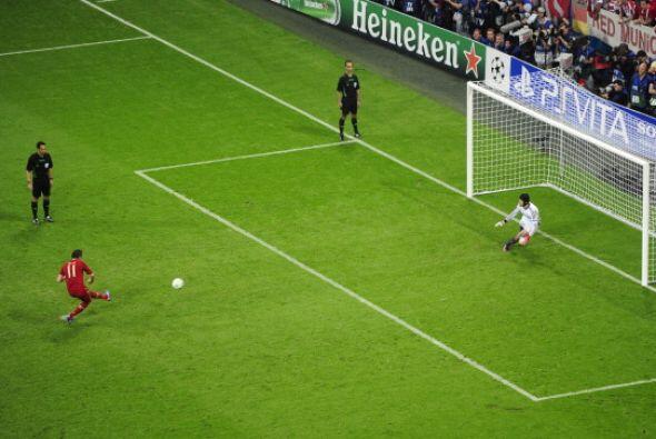 Olic, sustituto de Ribery, cobró y falló cuando el Bayern...