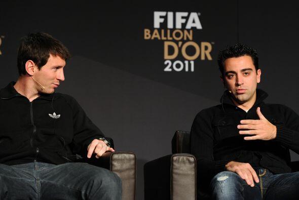 Bueno, no todos estuvieron, aquí vemos a Lionel Messi y Xavi, nominados...