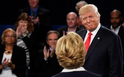 Investigación del FBI golpea la campaña de Clinton y le da nuevo aliento...