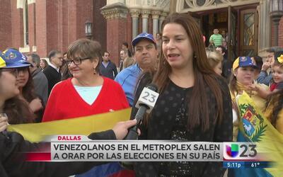 Venezolanos en Dallas oran por elecciones