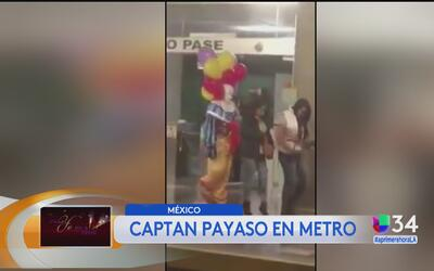 Mujeres ignoran a payaso en el metro de México