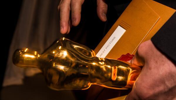 Sobre en la entrega de los Oscar