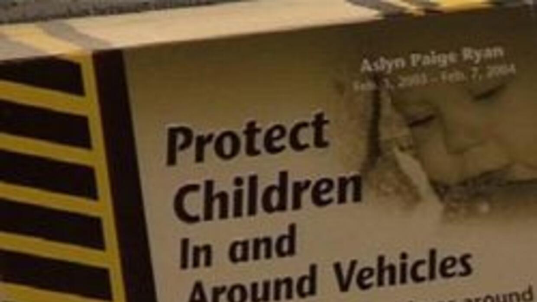 Panfleto pidiendo cuidado con los niños
