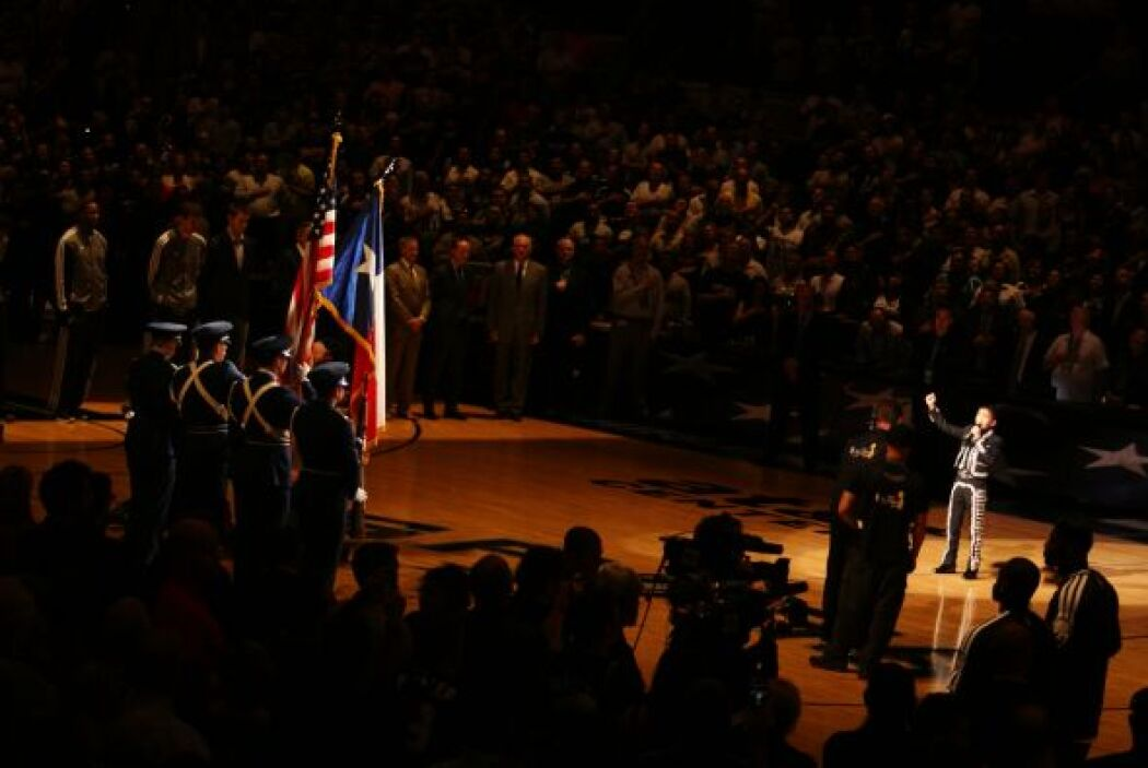 Tanto apoyo generó en su favor, que los San Antonio Spurs decidieron inv...