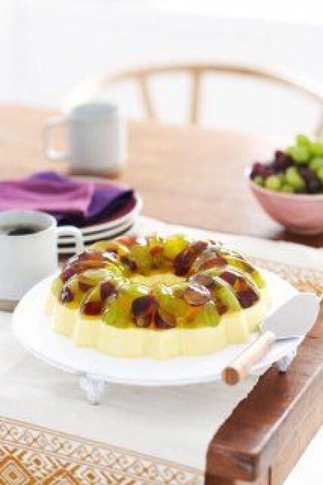 Postre cremoso de limón con uvas: ideal para preparar en una reunión. Fá...