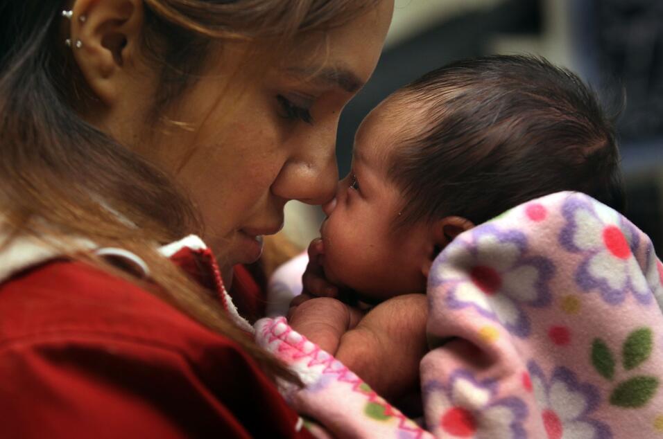 Un juez de Reino Unido ordena desconectar a un bebé de 8 meses contra la...