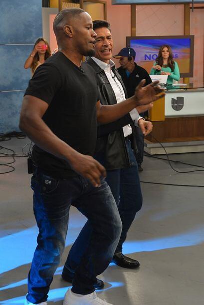 Johnny aprendió a bailar al estilo Foxx.