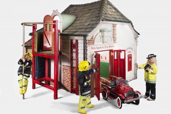 Jugar a ser bombero, policía o dulcero toma otra dimensión con un juguet...