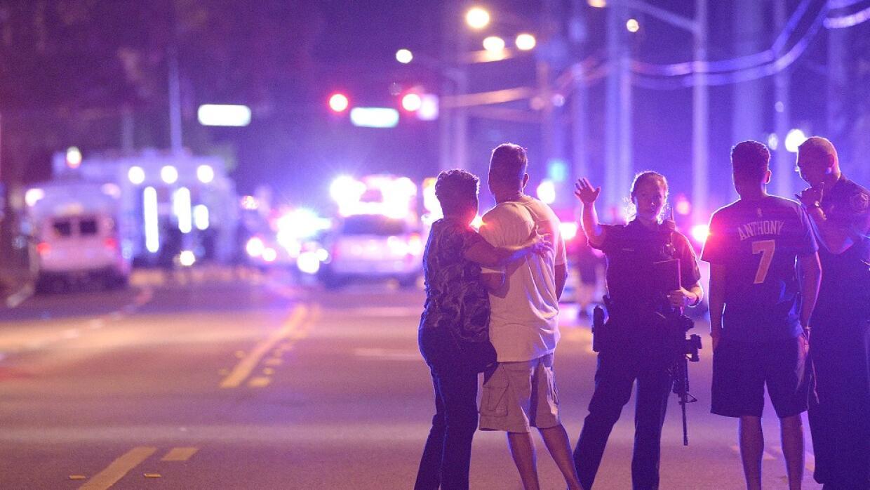 La Policía de Orlando afirma que el tiroteo ocurrió después de la median...