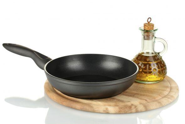 Arma la tortilla. Finalmente, vierte el batido en una sartén con aceite...