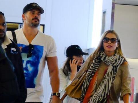 Sofía y Joe siguen derramando miel por Miami.