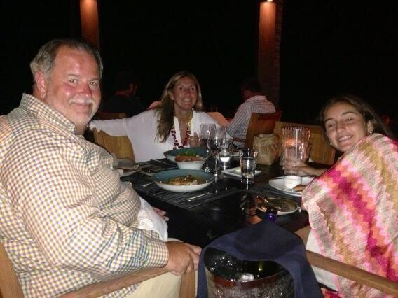 Raúl de Molina, Mia y Mily siempre la pasan de lo lindo entre risas y ri...