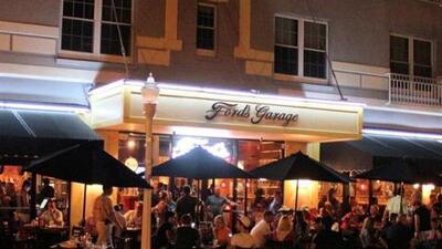 Ford´s Garage es el primer restaurante temático de Ford.