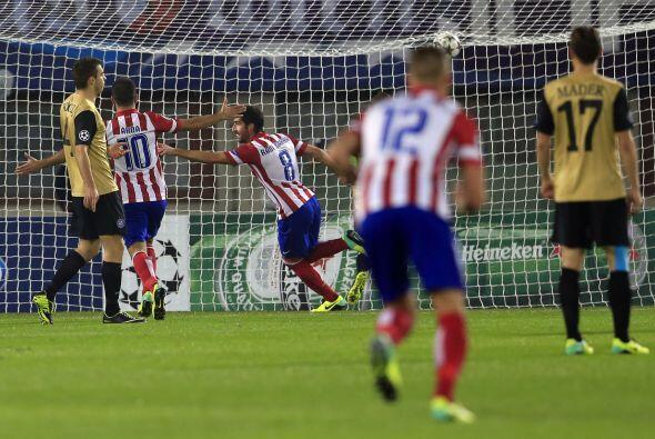 Todo comenzó al minuto ocho con el gol del mediocampista Raúl García.