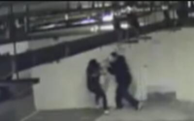 Revelan el video del ataque a una mujer en un estacionamiento público en...