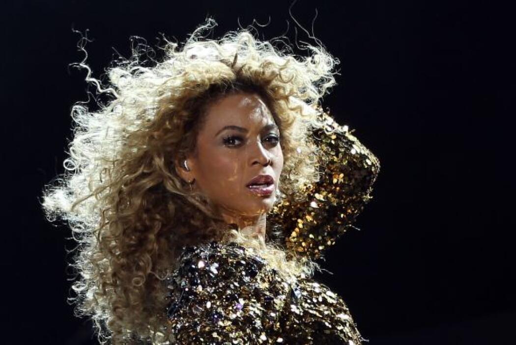 """Junto a Kim su gran """"amiga"""", Beyoncé.Todo sobre el Mundial de Brasil 2014."""
