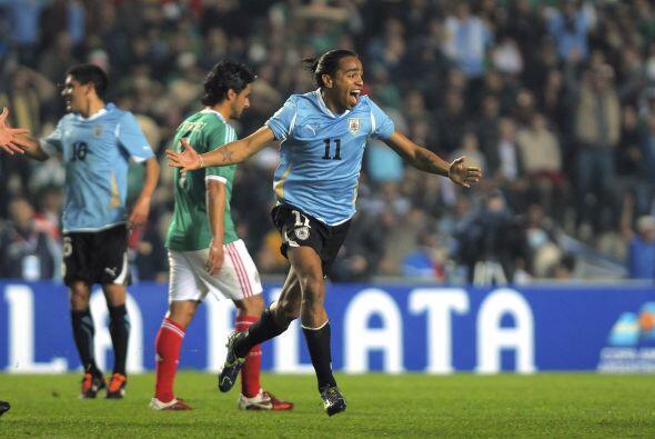 Y Uruguay, Campeón del certamen, lo venció por el mismo re...