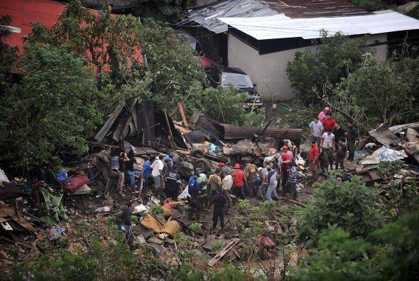En tanto Nicaragua fue la primera nación en ofrecer ayuda a Costa Rica,...