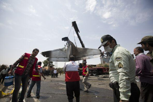 Las autoridades comprobaron que ocho pasajeros sobrevivieron, seg&uacute...