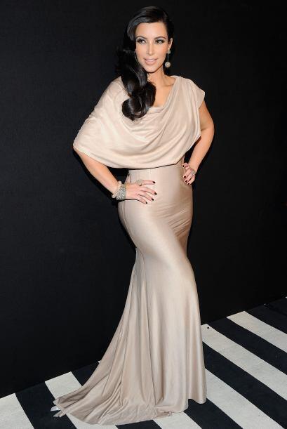 Si de bellezas americanas hablamos, debemos mencionar a Kim Kardashian.