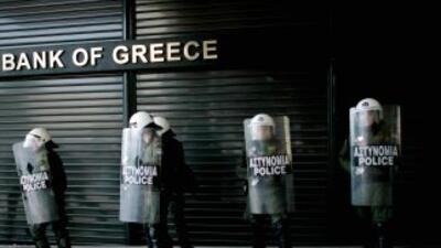 Agentes en una manifestación en Atenas
