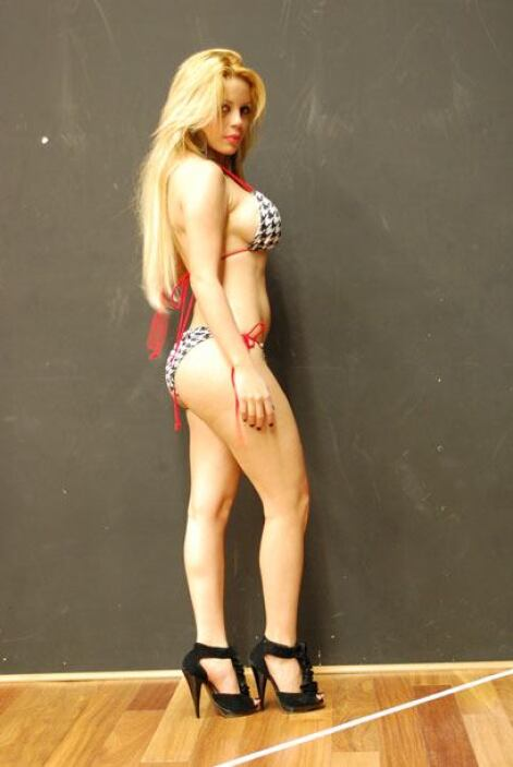 Para conquistar a su hombre ideal, Natalia muestra su parte del cuerpo f...