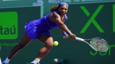 Una hora y 46 minutos de partido le bastaron a Serena Williams para derr...