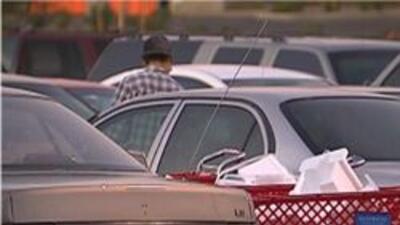 Carros en un estacionamiento de la ciudad de Phoenix