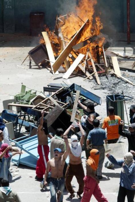 En El Salvador, donde 16 jóvenes detenidos murieron el miércoles en el i...