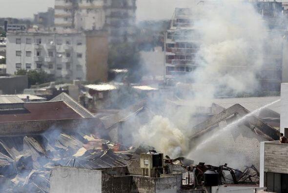 El incendio se declaró alrededor de las 09.00 hora local (12 GMT), en un...
