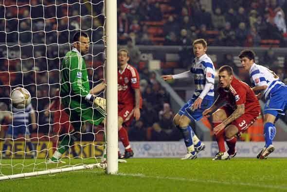 Los peores presagios del Liverpool se confirmaron cuando Shane Long puso...