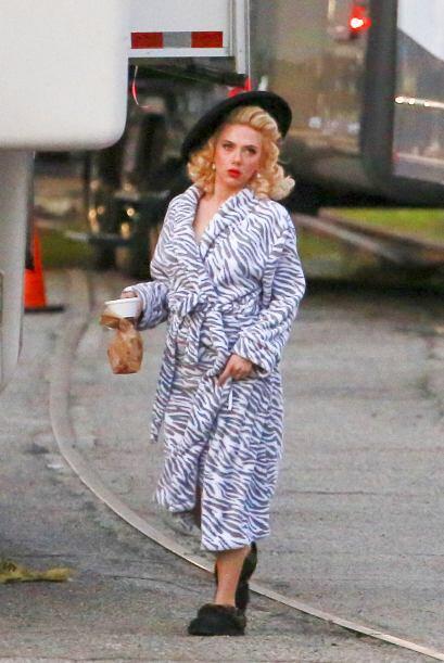 Aunque hay que reconocer que Scarlett luce más guapa que Cruella.