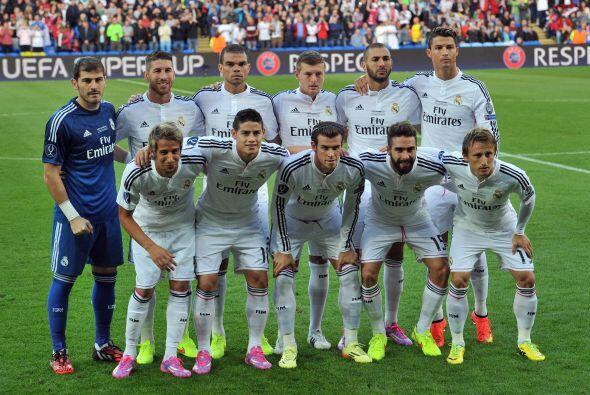 Real Madrid saltó al campo de juego con sus mejores hombres entre...