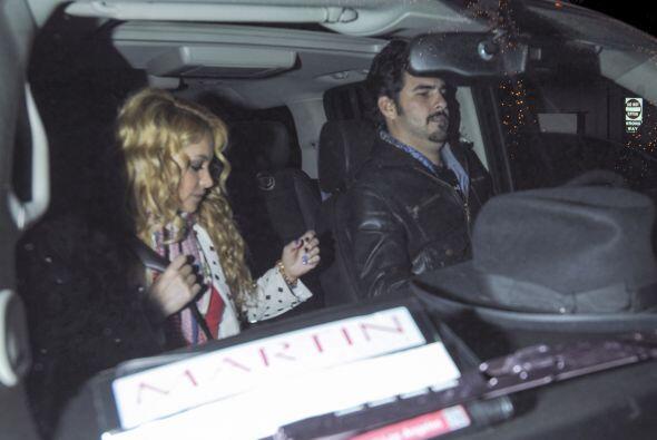 La cantante salió a otra de sus cenas románticas con su amorcito, Gerard...