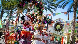 #DisneylandHolidays