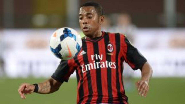 El delantero estará cedido en el Santos hasta mediados de 2015.