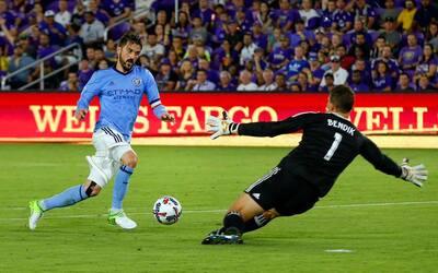 David Villa está a un paso de marcar su gol número 50 en l...